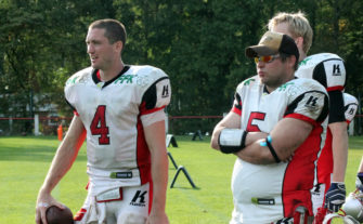 Zachary Cavanaugh und Headcoah Joerg Steudtner